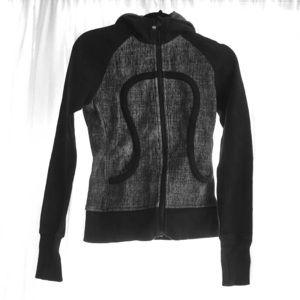Lululemon black and gray hooded sweatshirt